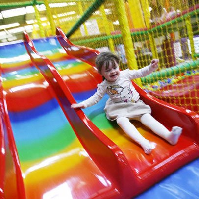 girl_red_slide